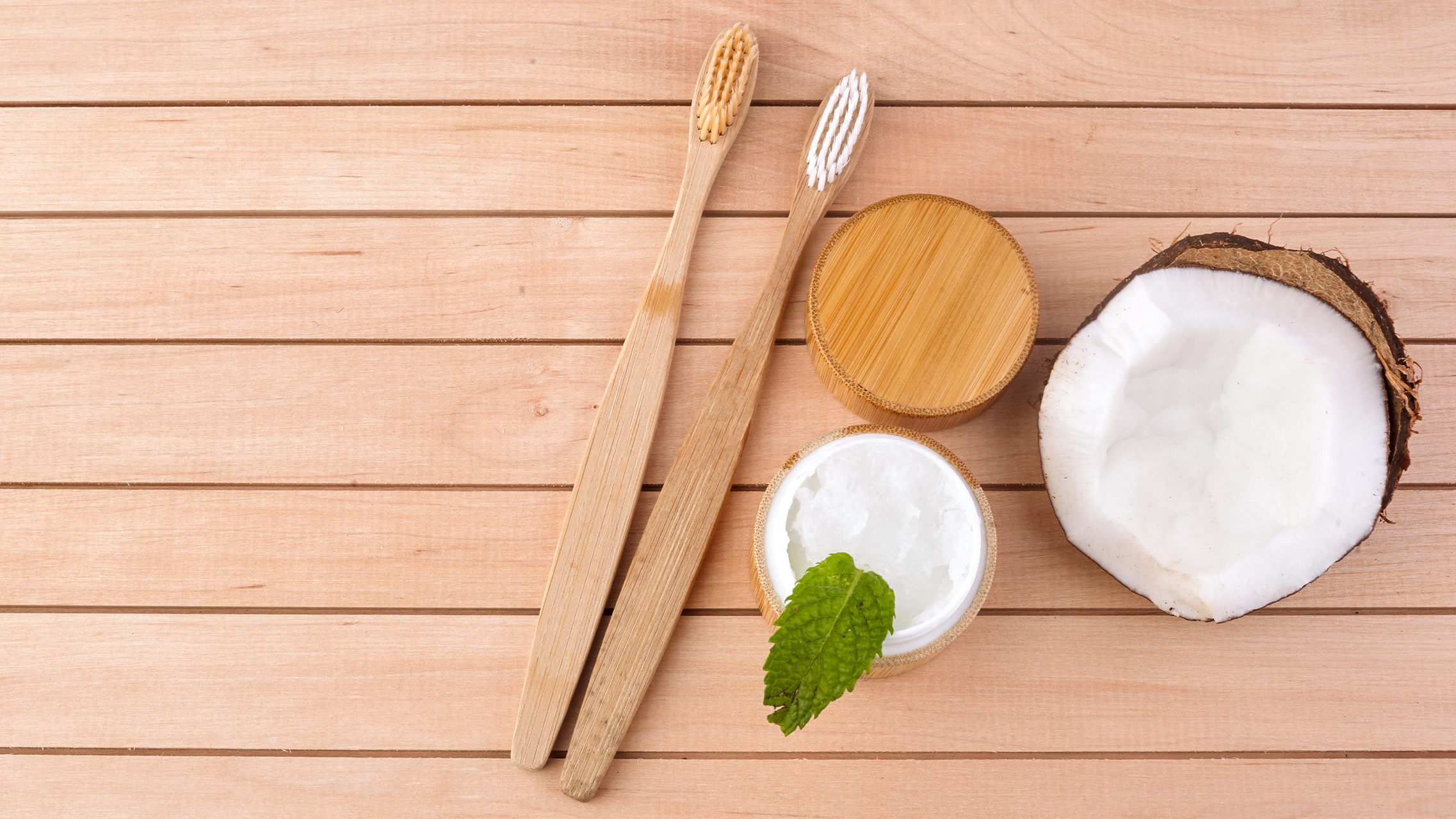 Zahnpflege mit Kokosnussöl — was verbirgt sich hinter dem Trend?