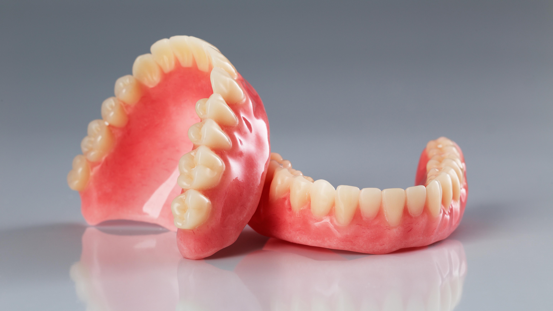 Dritte Zähne – was kommt auf mich zu?